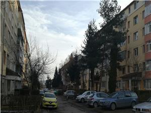 Apartament de vanzare Sibiu -3 camere- zona Cedonia-