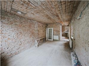 Casa de vanzare in Sibiu - Cisnadie - teren 654mp - curte si gradina