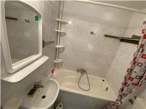 Apartament de vanzare in Sibiu - pivnita -et.intermediar -zona Rahovei