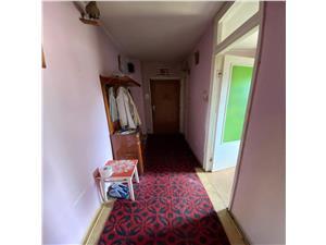 Apartament de vanzare in Sibiu - Decomandat - Etajul 1 - V Aaron