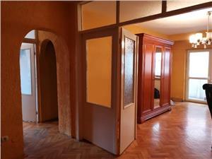 Apartament de vanzare in Sibiu- 3 camere decomandate si 2 balcoane