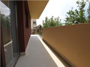 Apartament 3 camere de vanzare Sibiu - 2 terase si pivnita-
