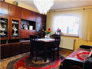 Apartament de vanzare in Sibiu - 3 camere, balcon si pivnita