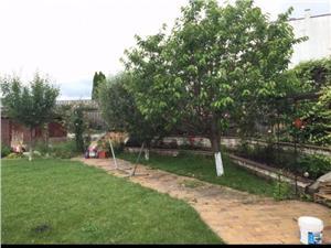 Casa de vanzare in Sibiu in zona linistita  cu gradina superba