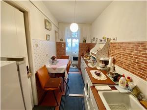 Apartament de vanzare in Sibiu - 3 camere cu balcon - Etaj 2/4