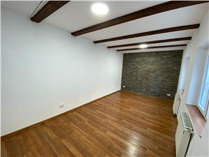 Apartament de vanzare in Sibiu in centru vechi- 1 vecin in curte