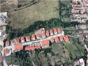 Casa de vanzare in Sibiu, Single, La Cheie, strada pavata