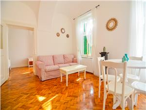 Apartament de inchiriat in Sibiu-2 camere- ultracentral-dotari de lux