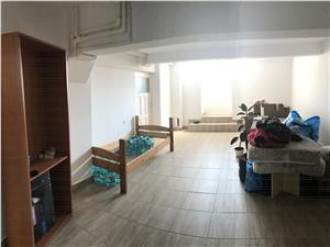 Casa 10 camere de vanzare in Sibiu - Cisnadie! + gradina mare si garaj