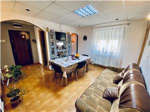 Apartament de vanzare in Sibiu - 3 camere cu balcon - zona Veterani