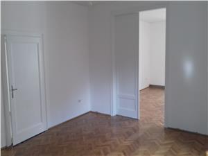 Casa de vanzare in Sibiu, singur in curte, LUX, Zona Premium + Teren