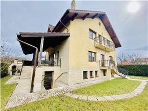 Vila de lux de vanzare in Sibiu - zona Calea Poplacii - 8 camere